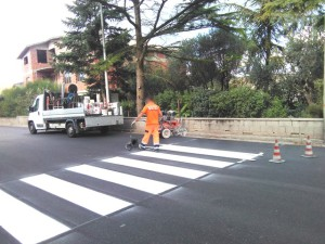 Comune di Isili  (CA) - esecuzione di segnaletica orizzontale e fornitura di segnaletica verticale.